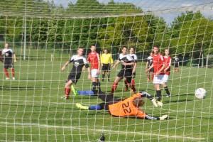 Paddy Dres erzielt das 0:1
