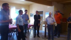 Bernd Marx begrüßt die Gäste